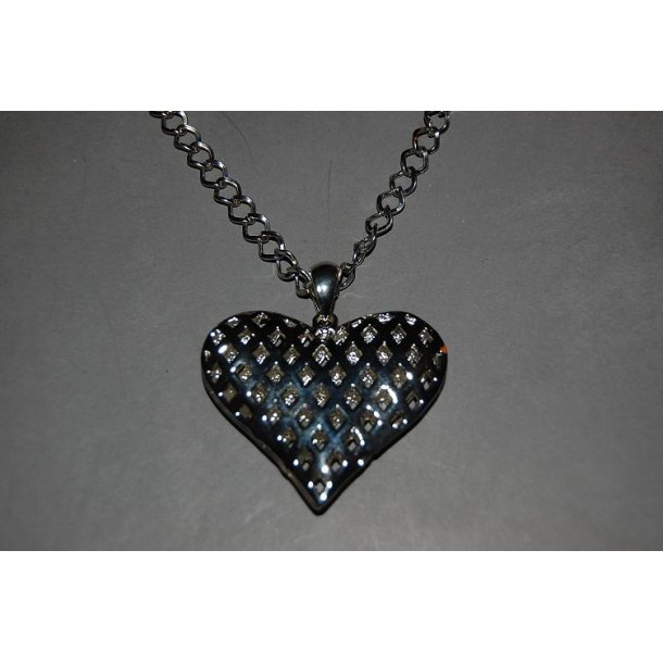 BIG HEART CHAIN EDITION